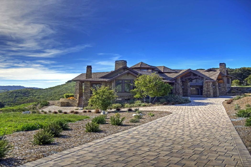 Inspired Craftsman Estate in Tehama
