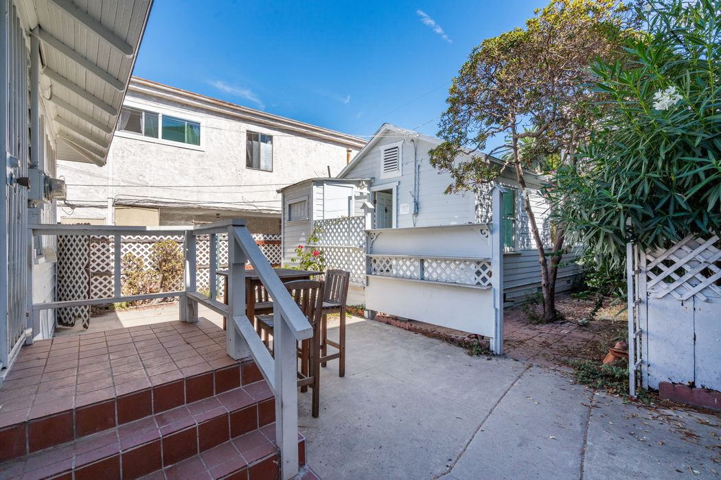112 Brooks Avenue Venice, CA 90291
