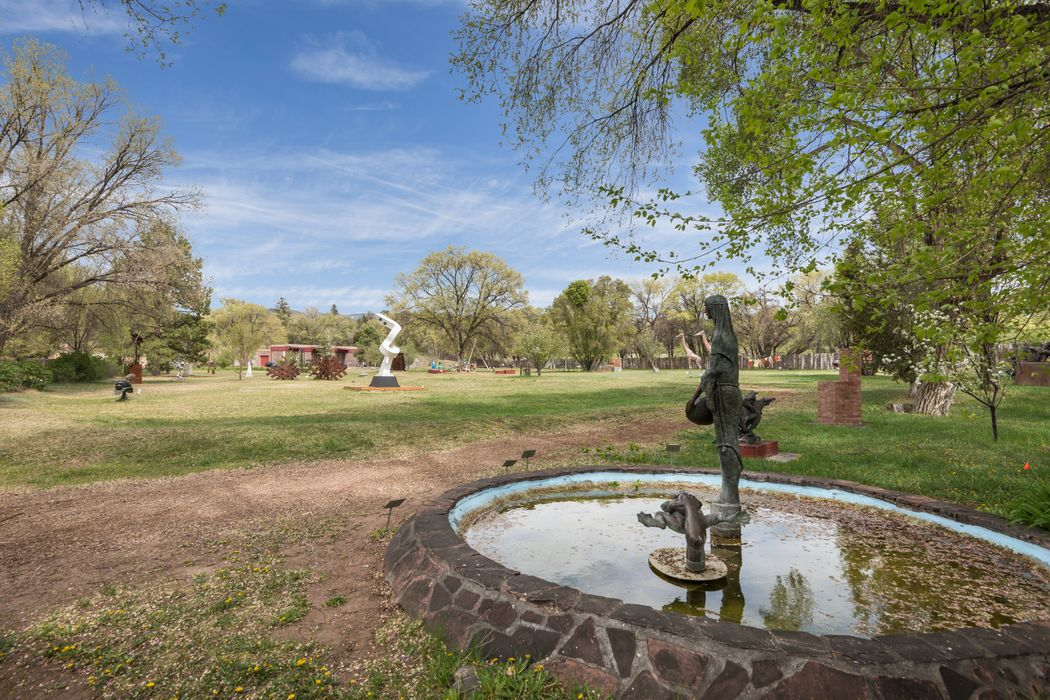 1508 Bishops Lodge Comm Santa Fe, NM 87506