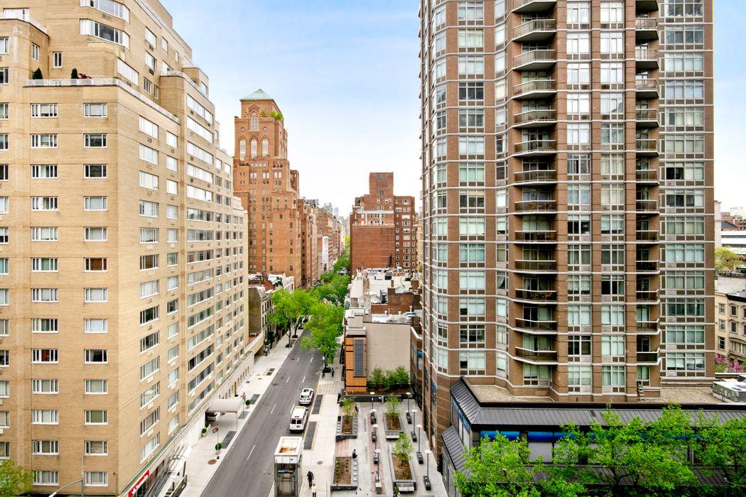 205 East 63rd Street New York, NY 10065