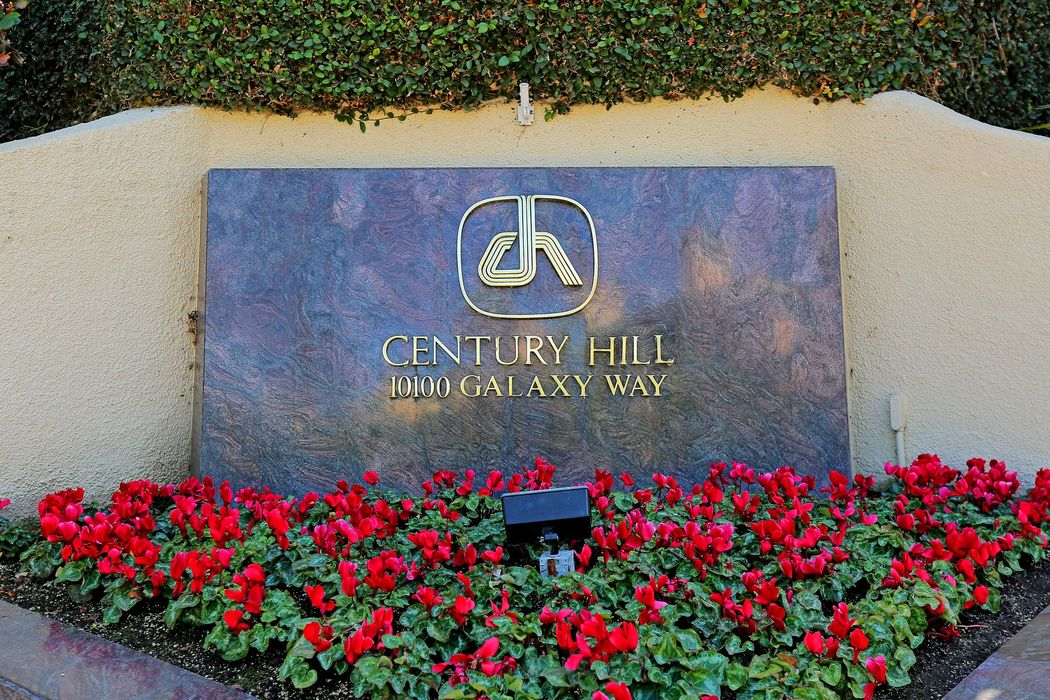 2351 Century Hill Los Angeles, CA 90067
