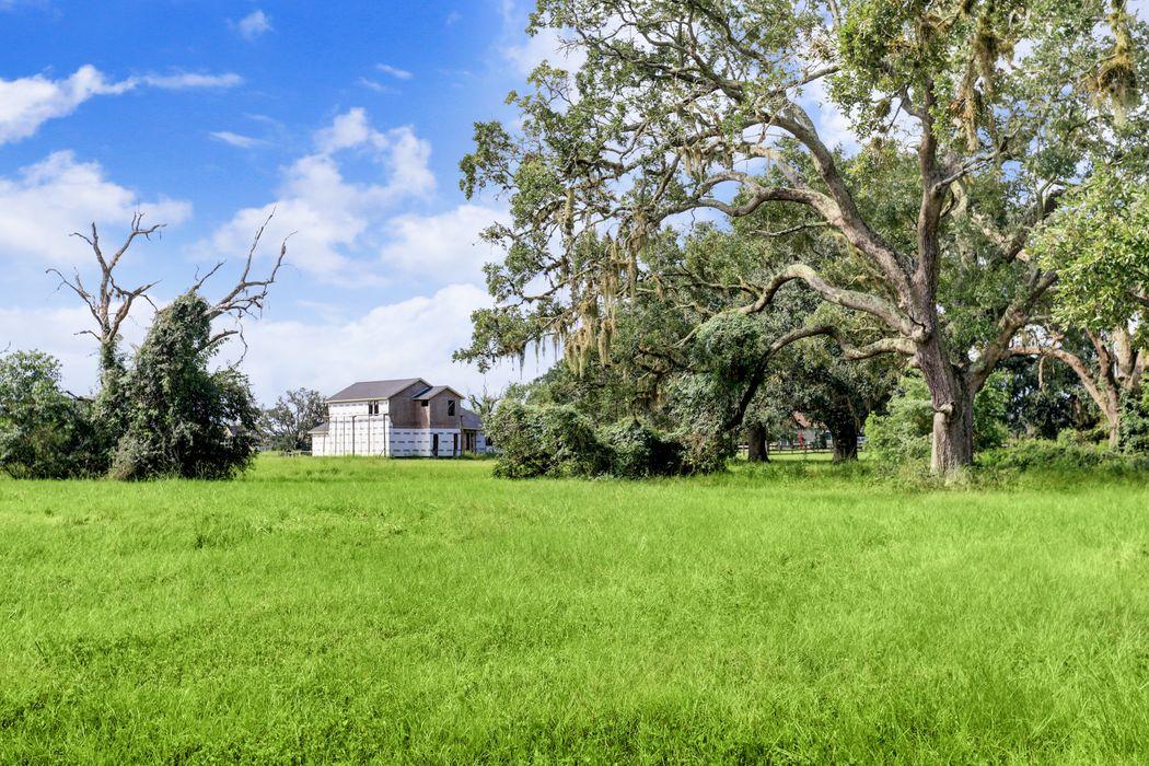 403 Lakeland Circle Rosharon, TX 77583