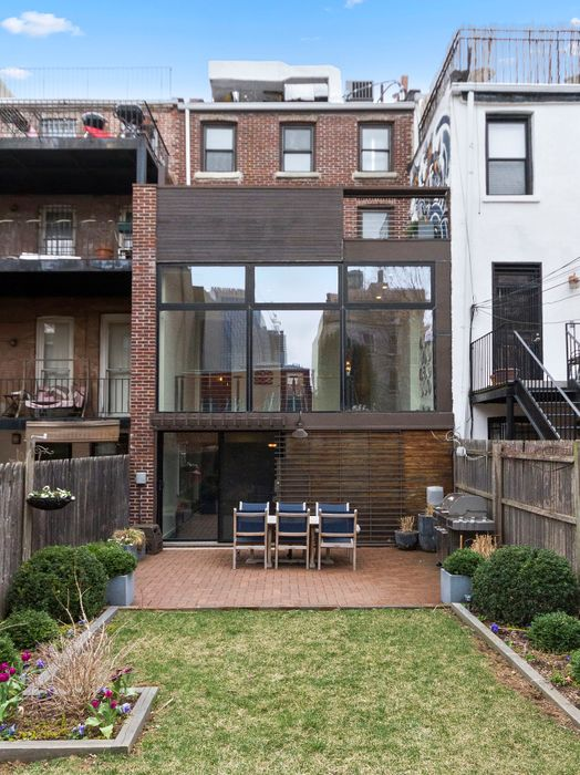 322 Carlton Avenue Brooklyn, NY 11205