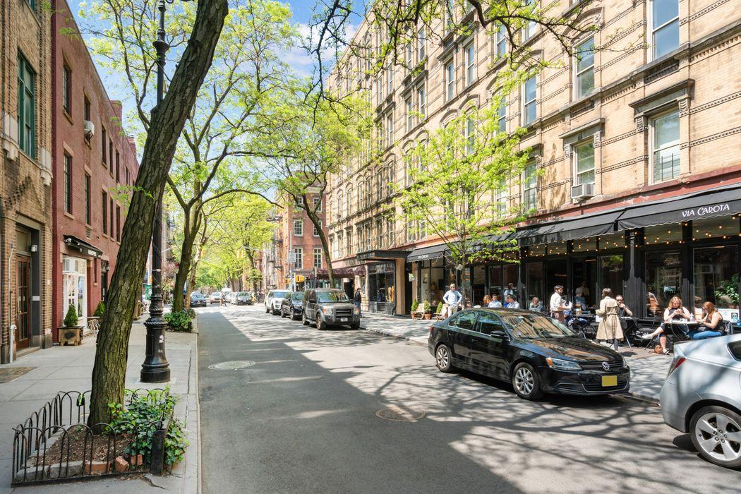 9 Barrow Street New York, NY 10014