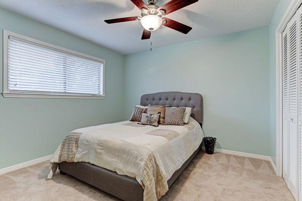 1107 Middlecreek Street Friendswood, TX 77546
