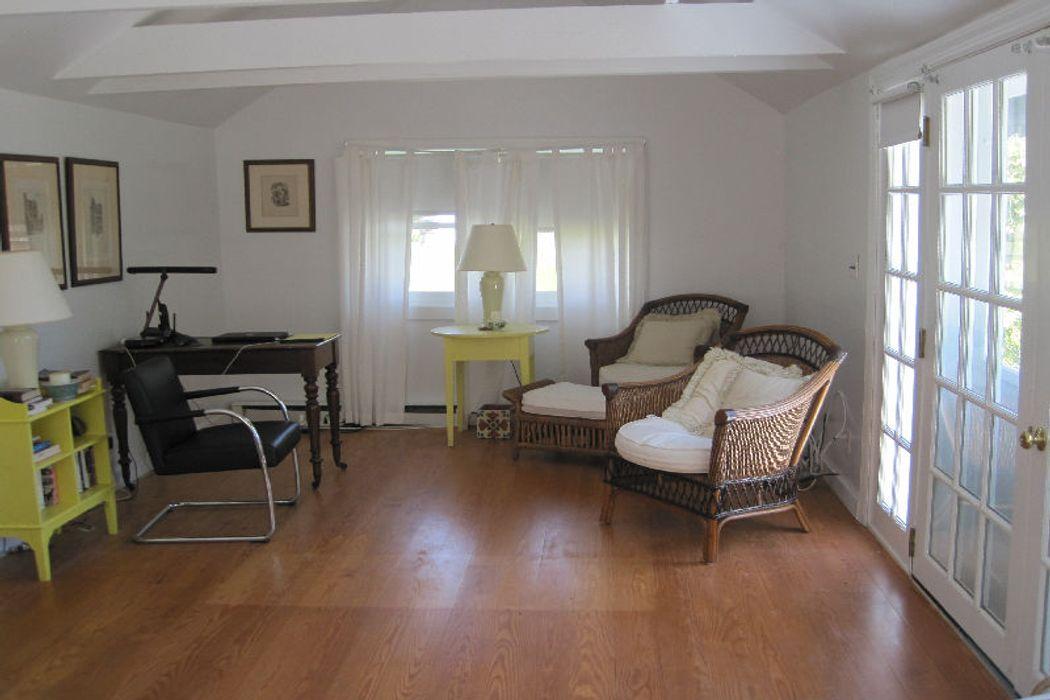 871 Sagg Main (Cottage) St Sagaponack, NY 11962