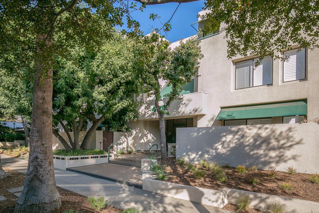484 South Euclid Avenue Pasadena, CA 91101
