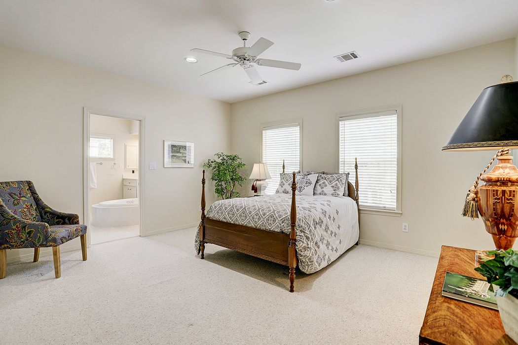 845 Sprucewood Lane Hedwig Village, TX 77024