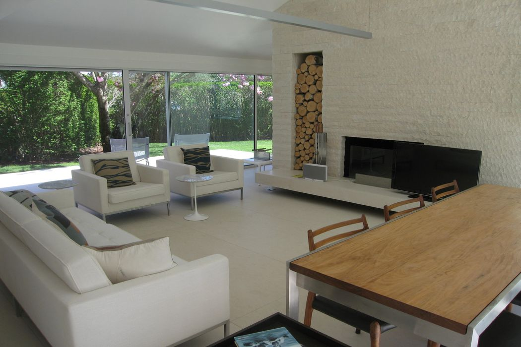 Rarely Offered Cottage by the Ocean East Hampton, NY 11937