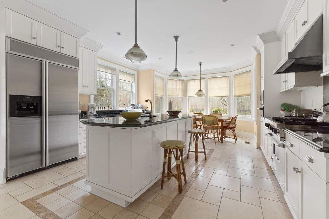 Georgica Estate with Sunken Tennis East Hampton, NY 11937