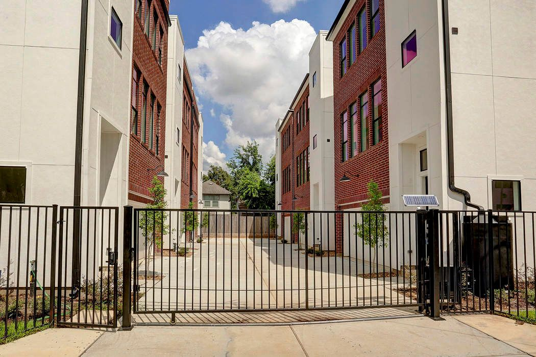 1416 Ruthven Street Houston, TX 77019