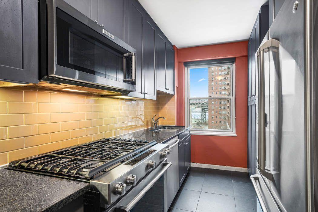 572 Grand Street New York, NY 10002