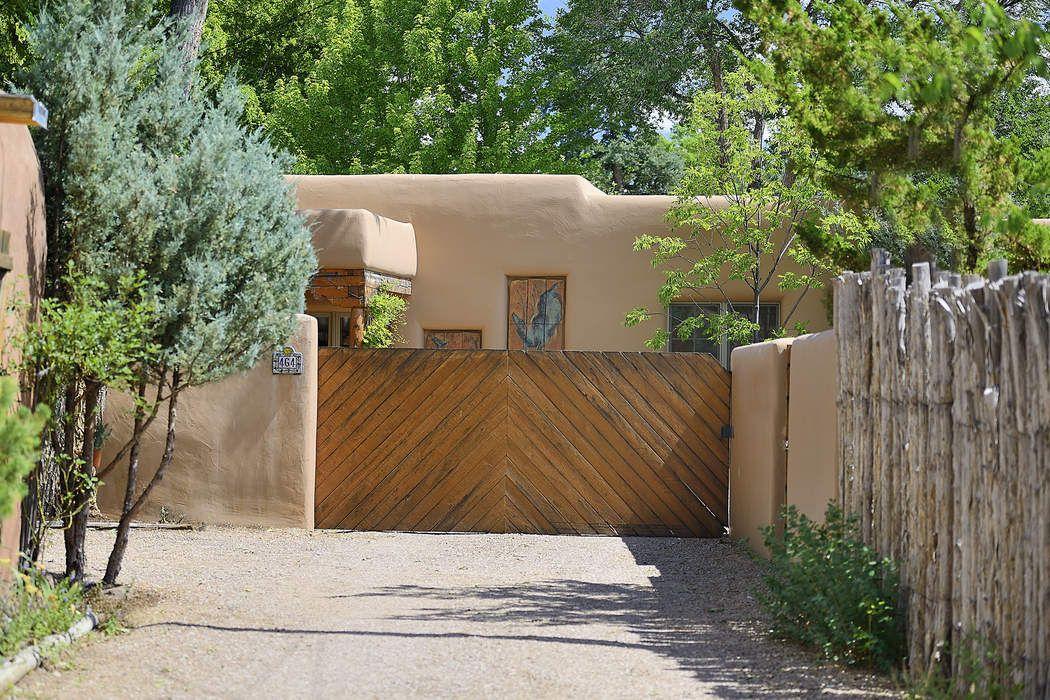 464 Arroyo Tenorio Santa Fe, NM 87501