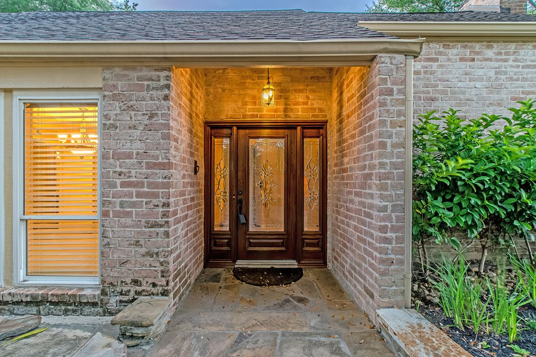 10214 Briar Rose Drive Houston, TX 77042