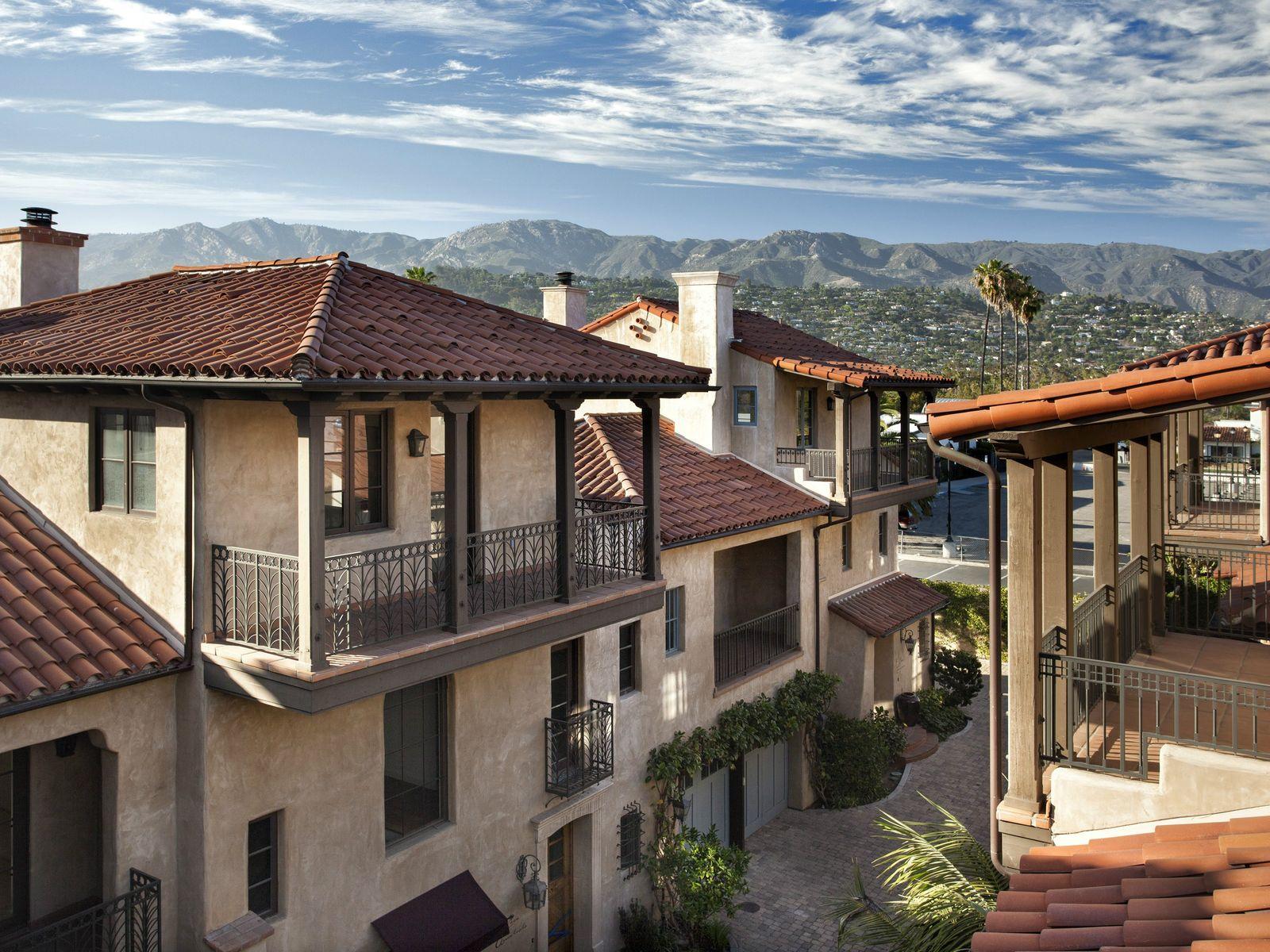 Downtown Villas & Penthouses