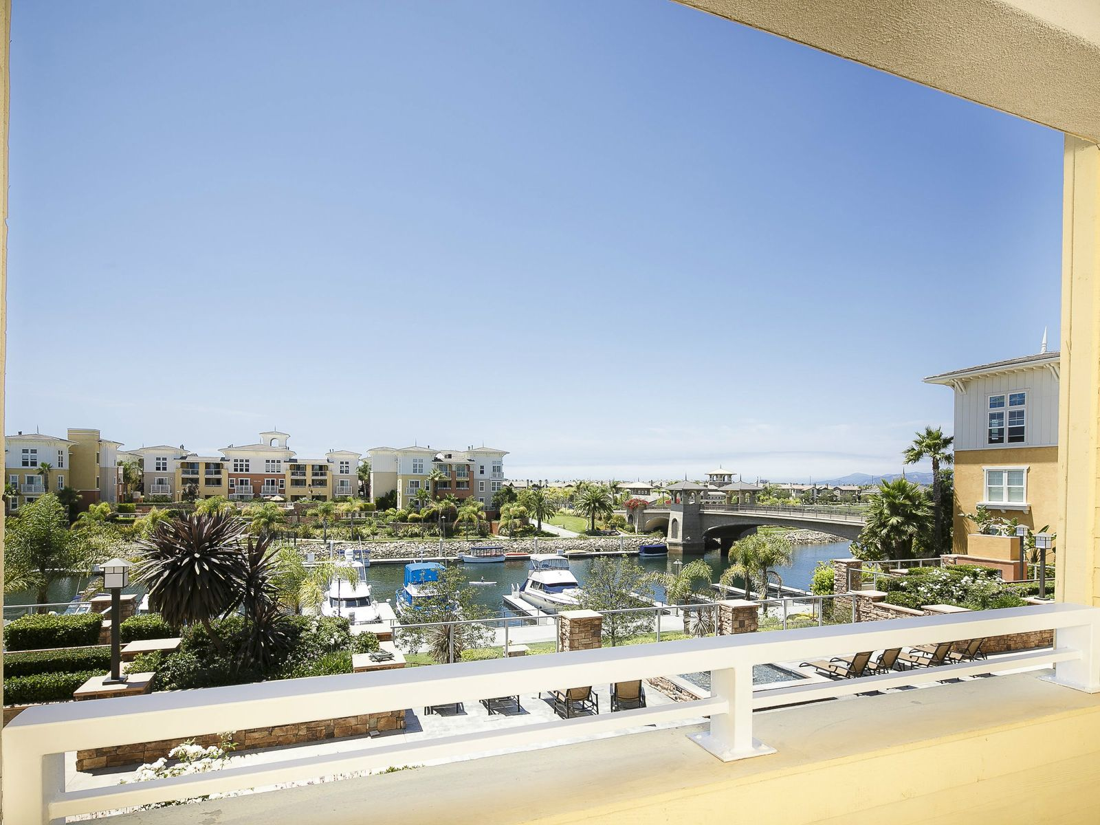 Southern California Waterside Living, Oxnard CA Condominium - Ventura Real Estate