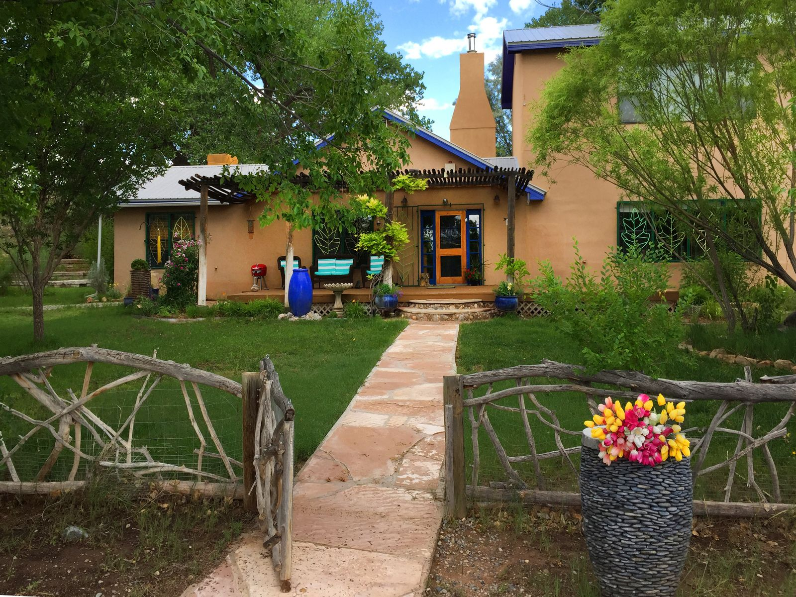 County Road 142 Wonderland Compound., Abiquiu NM Single Family Home - Santa Fe Real Estate