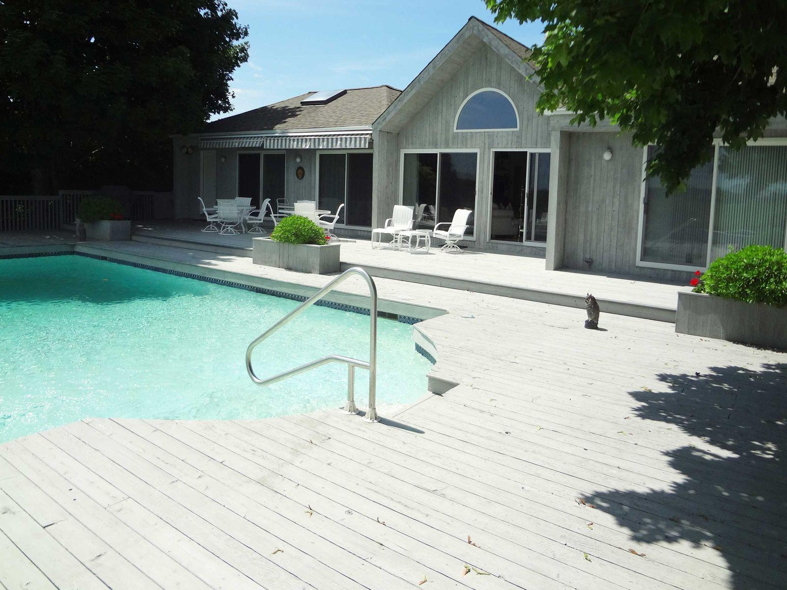 Swimming Pool & Tennis