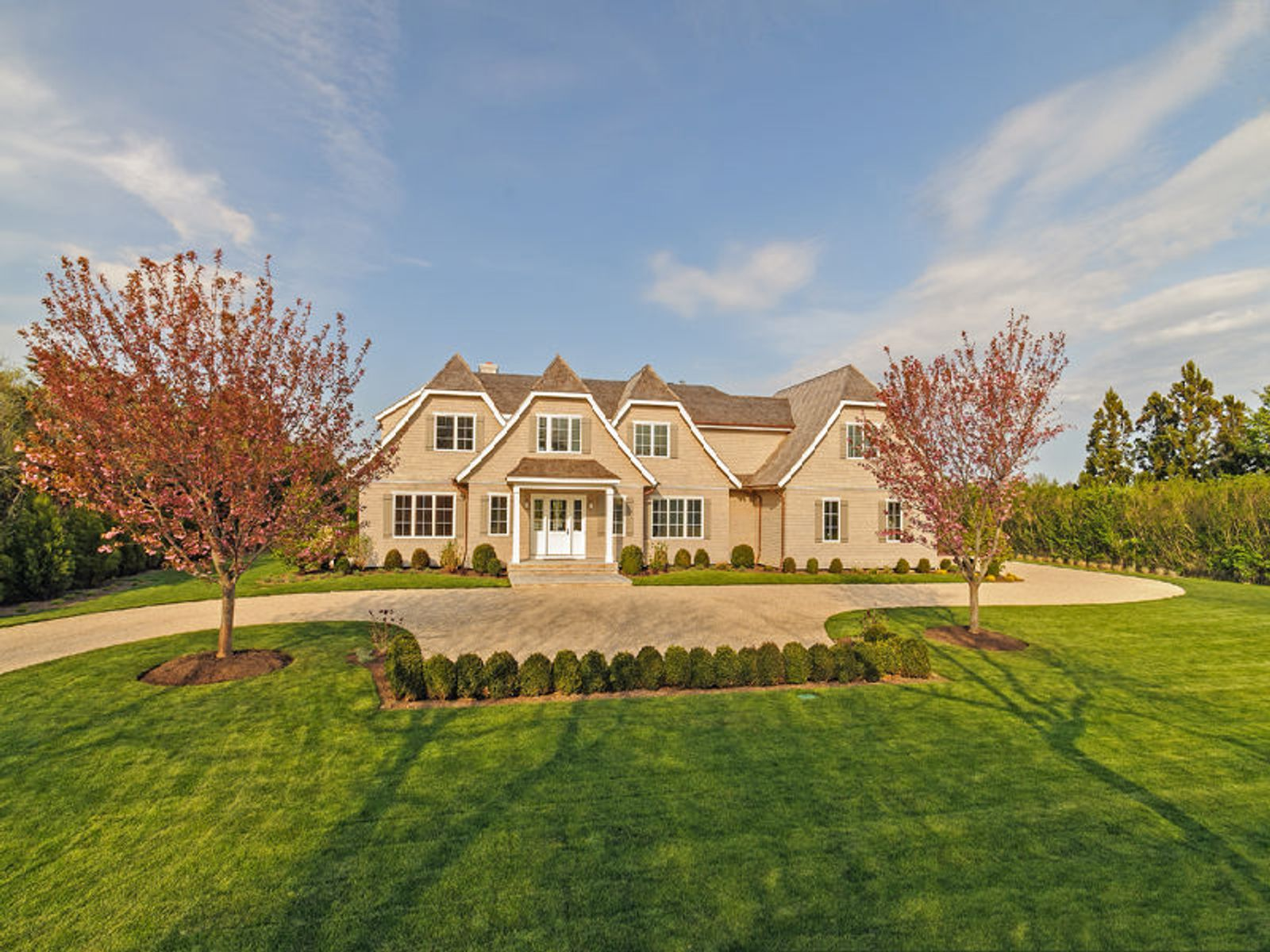 Exceptional New Estate, 2 Blocks to, Sagaponack NY Single Family Home - Hamptons Real Estate