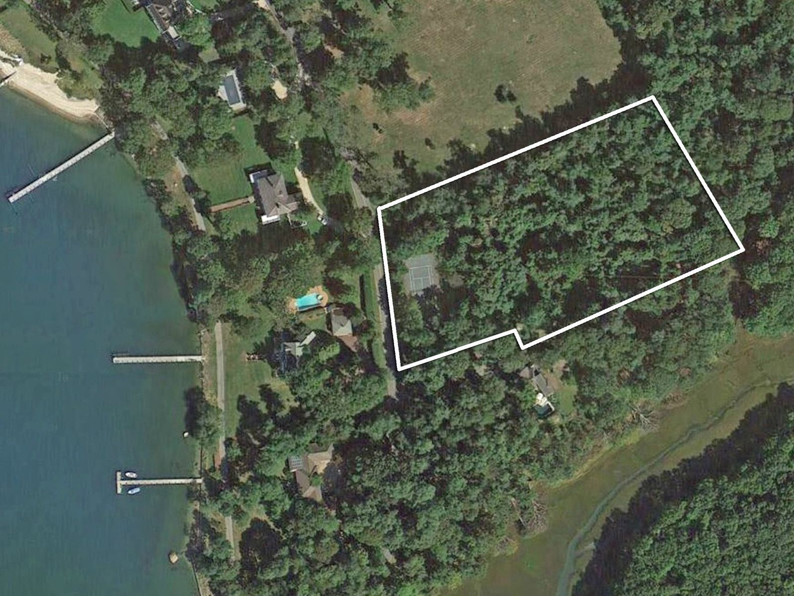 Desirable 3.2 Acre Lot in Dering Harbor, Shelter Island NY Acreage / Lots - Hamptons Real Estate