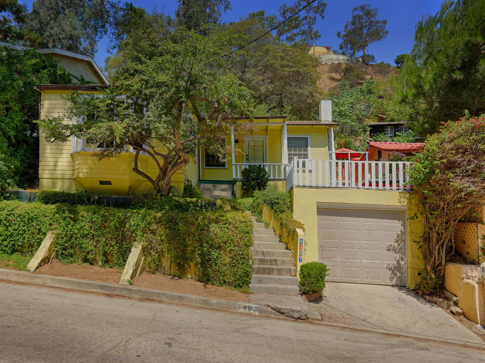 Quintessential Canyon Bungalow , Los Angeles CA Single Family Home - Los Angeles Real Estate