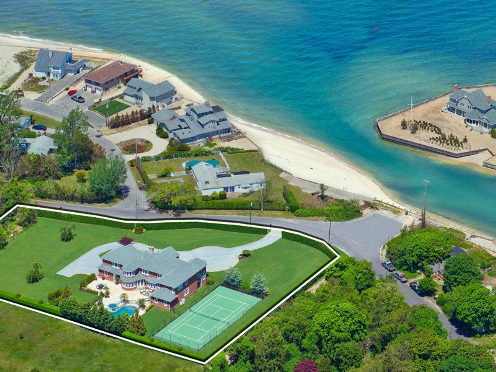 Custom Bay View Home w/Pool & Tennis