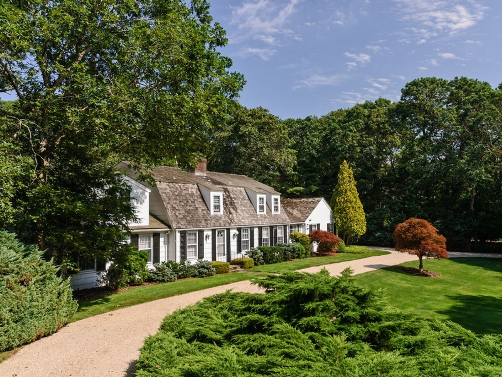 In the Heart of Georgica , East Hampton NY Single Family Home - Hamptons Real Estate