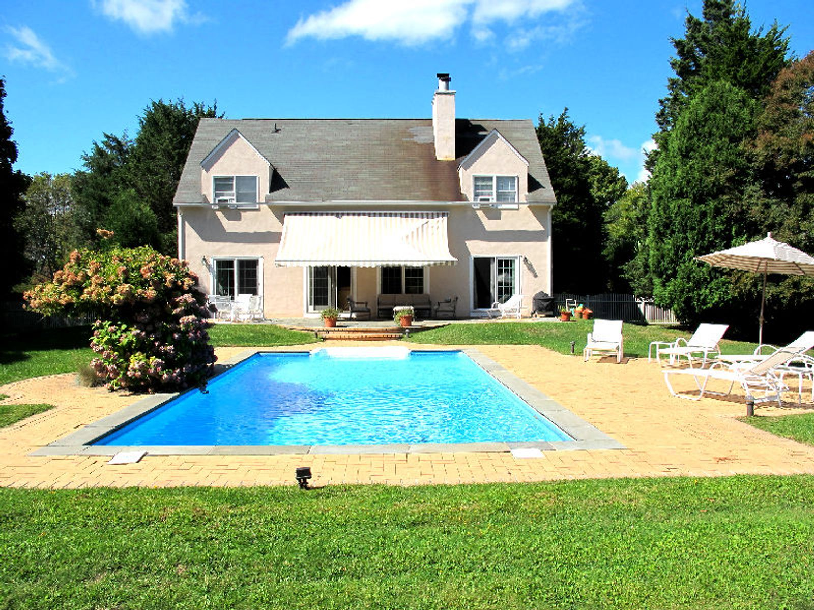 Convenient To Town And Ocean Beaches, Southampton NY Single Family Home - Hamptons Real Estate