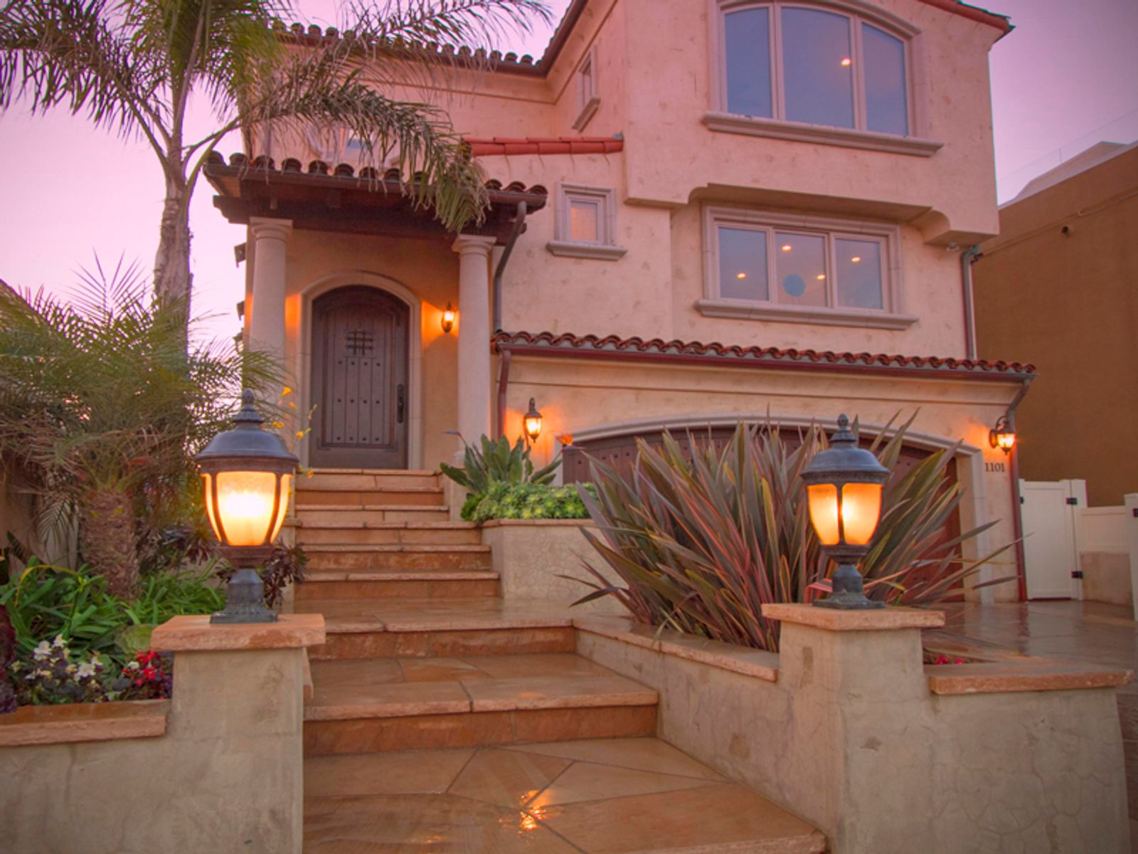 New Tuscan-style Villa on the Sand, Oxnard CA Single Family Home - Ventura Real Estate