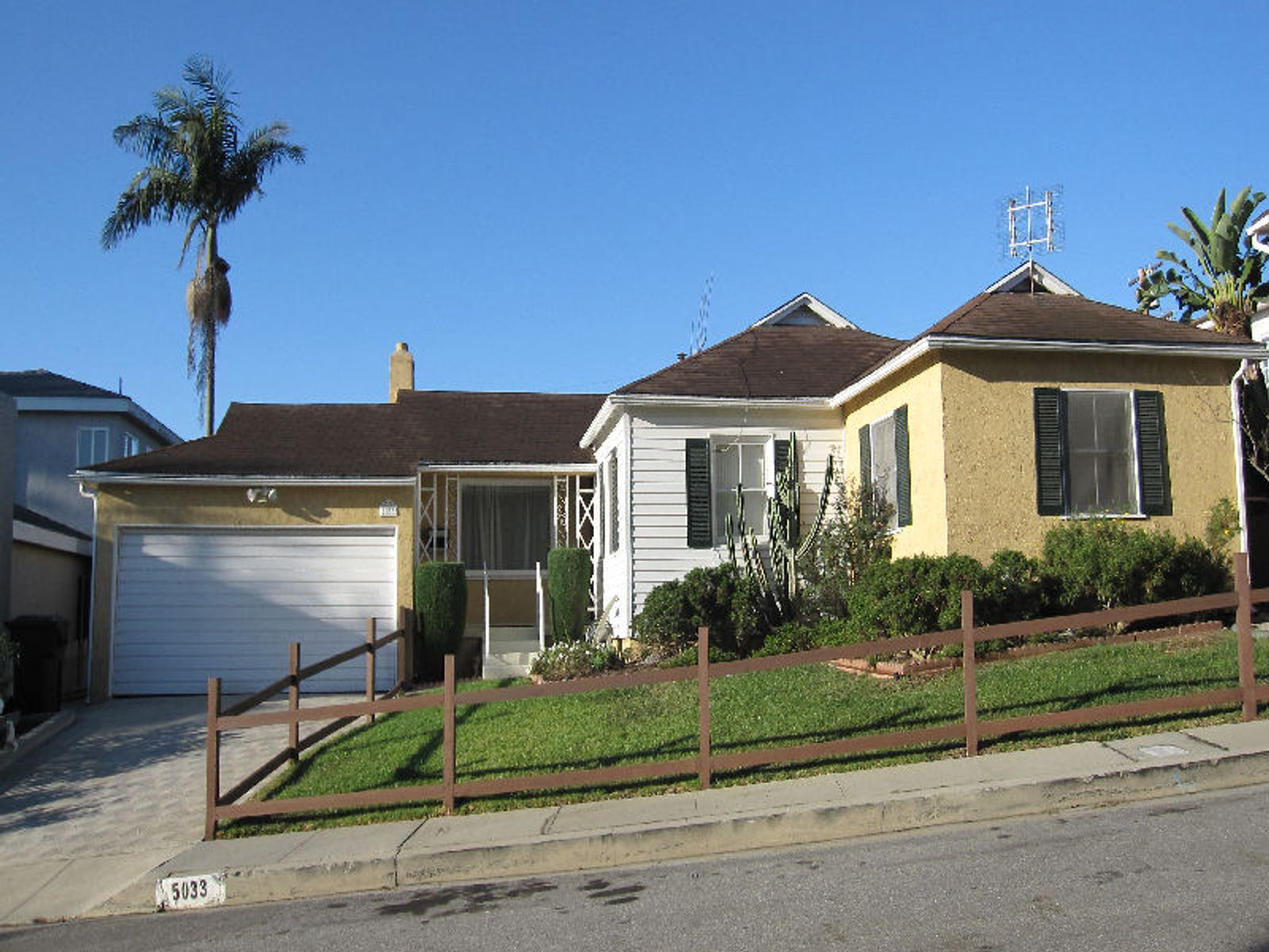 Windsor hills home los angeles ca single family home for Homes for sale in los angeles area