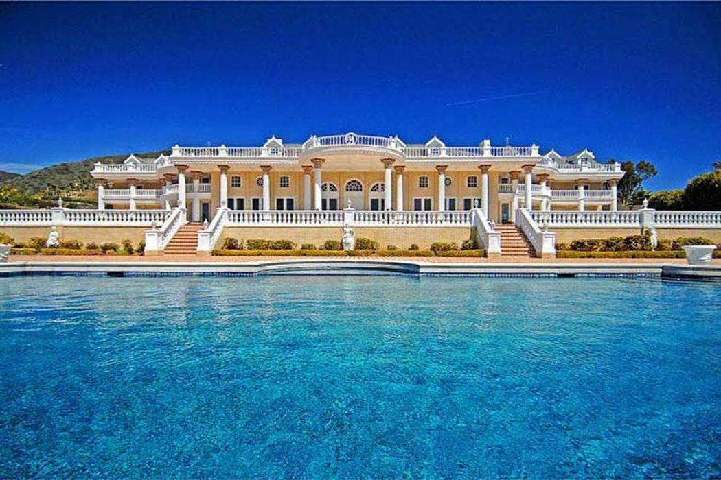 Villa Versailles