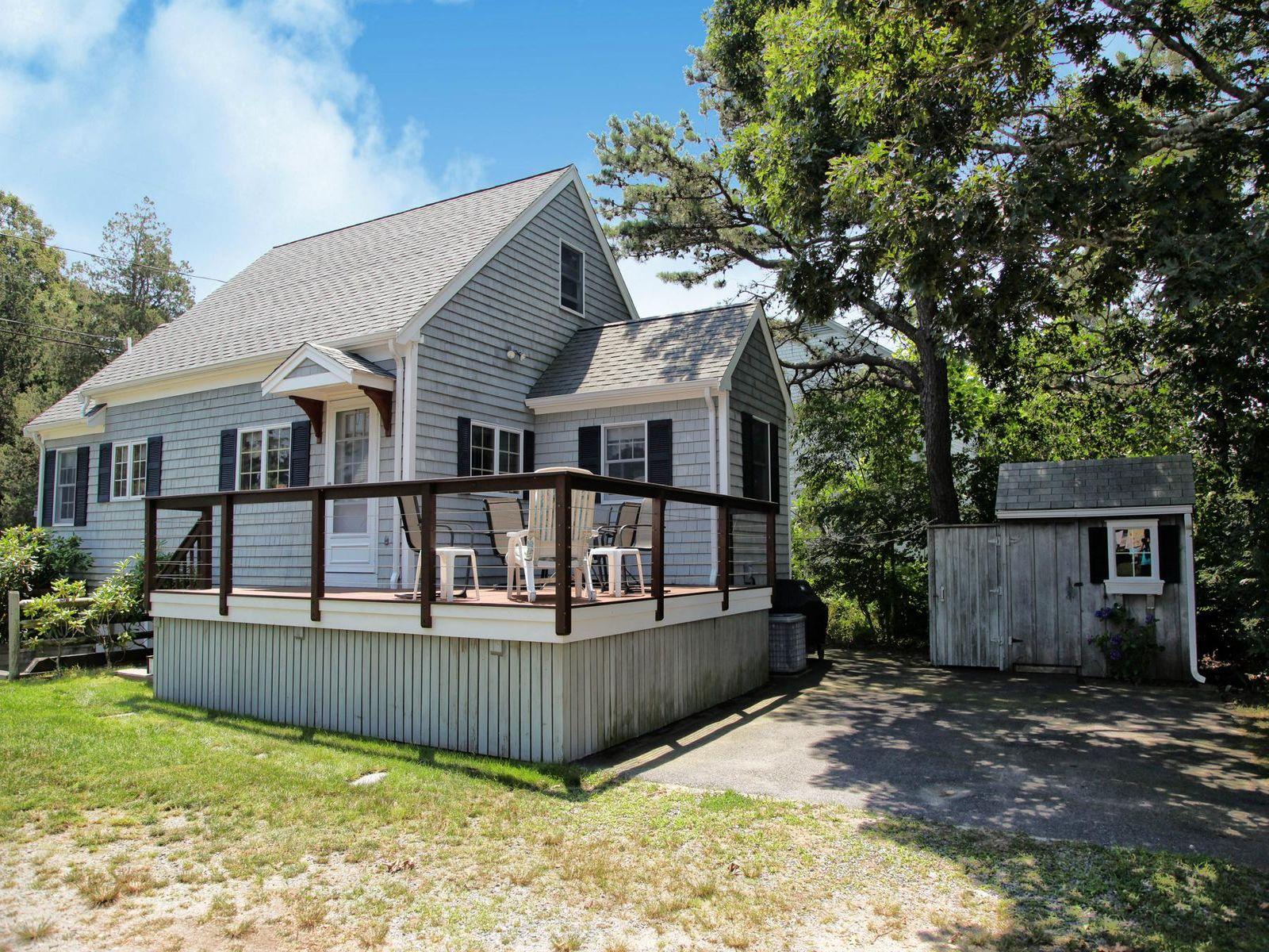 Wenaumet Bluffs Quintessential Cottage
