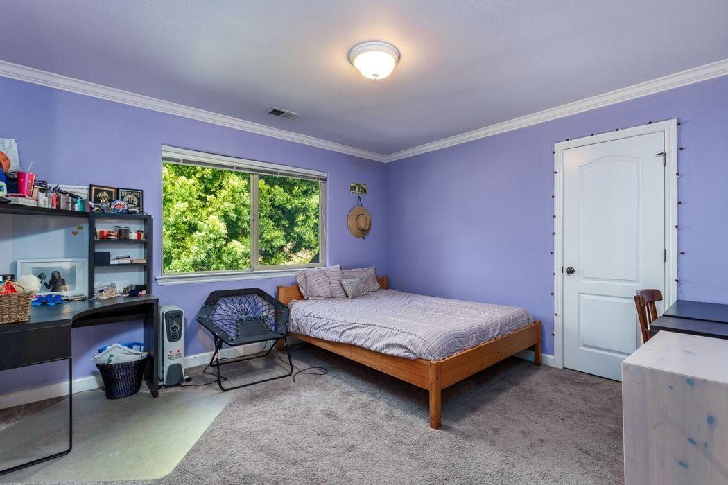 148 B Dunbarton Road Aromas, CA 95004