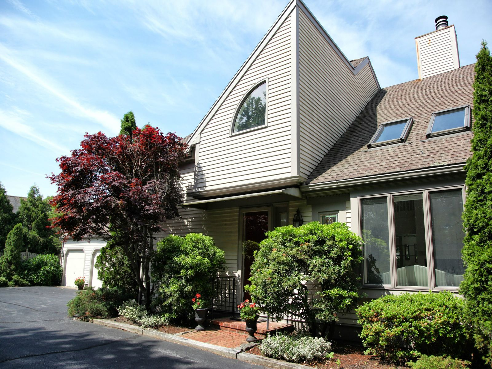 Spacious Townhome in Osterville Village, Osterville MA Condominium - Cape Cod Real Estate