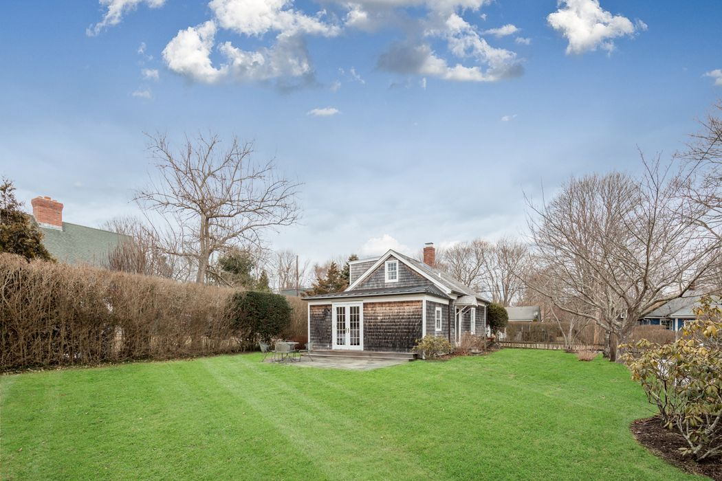 9 Miller Terrace East Hampton, NY 11937