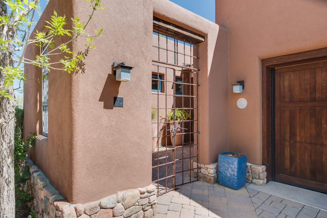 612 Garcia Street Santa Fe, NM 87505