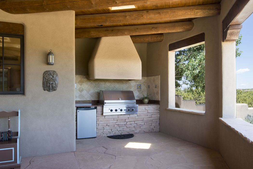 12 Paintbrush Court Santa Fe, NM 87506