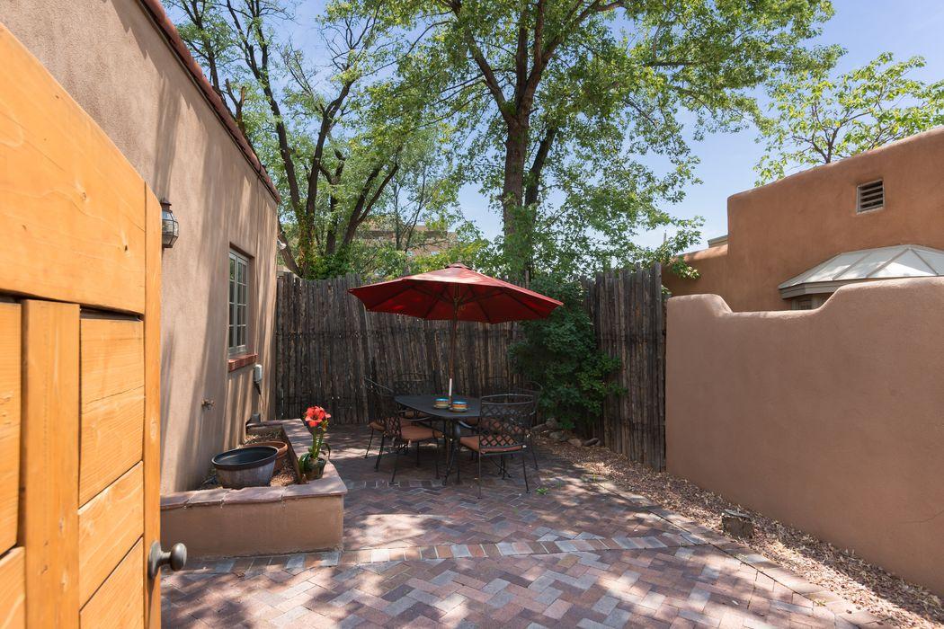 220 Mckenzie Street Santa Fe, NM 87501