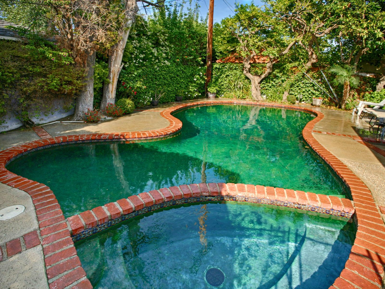 Charming 3-Bedroom with Pool