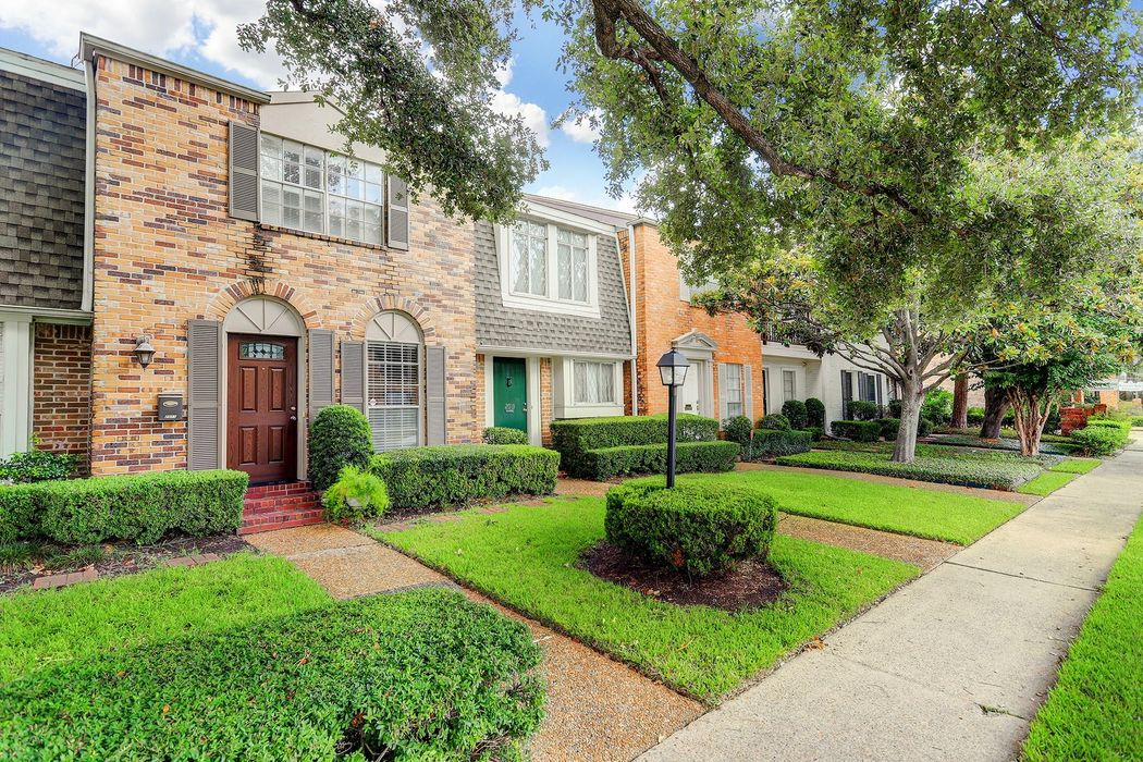 2011 Winrock Boulevard Houston, TX 77057