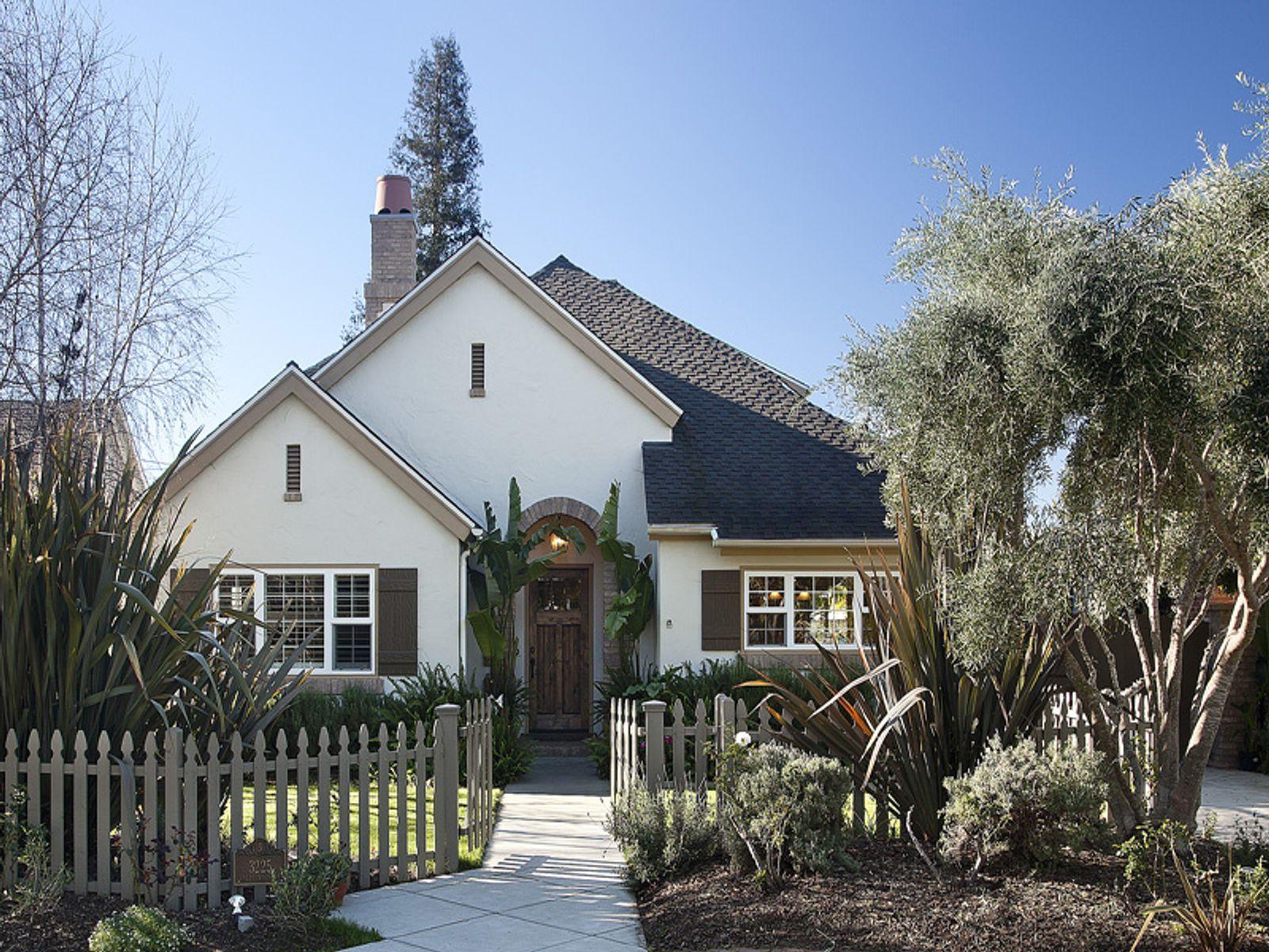 Charming nearly new home santa barbara ca single family for Santa barbara new homes