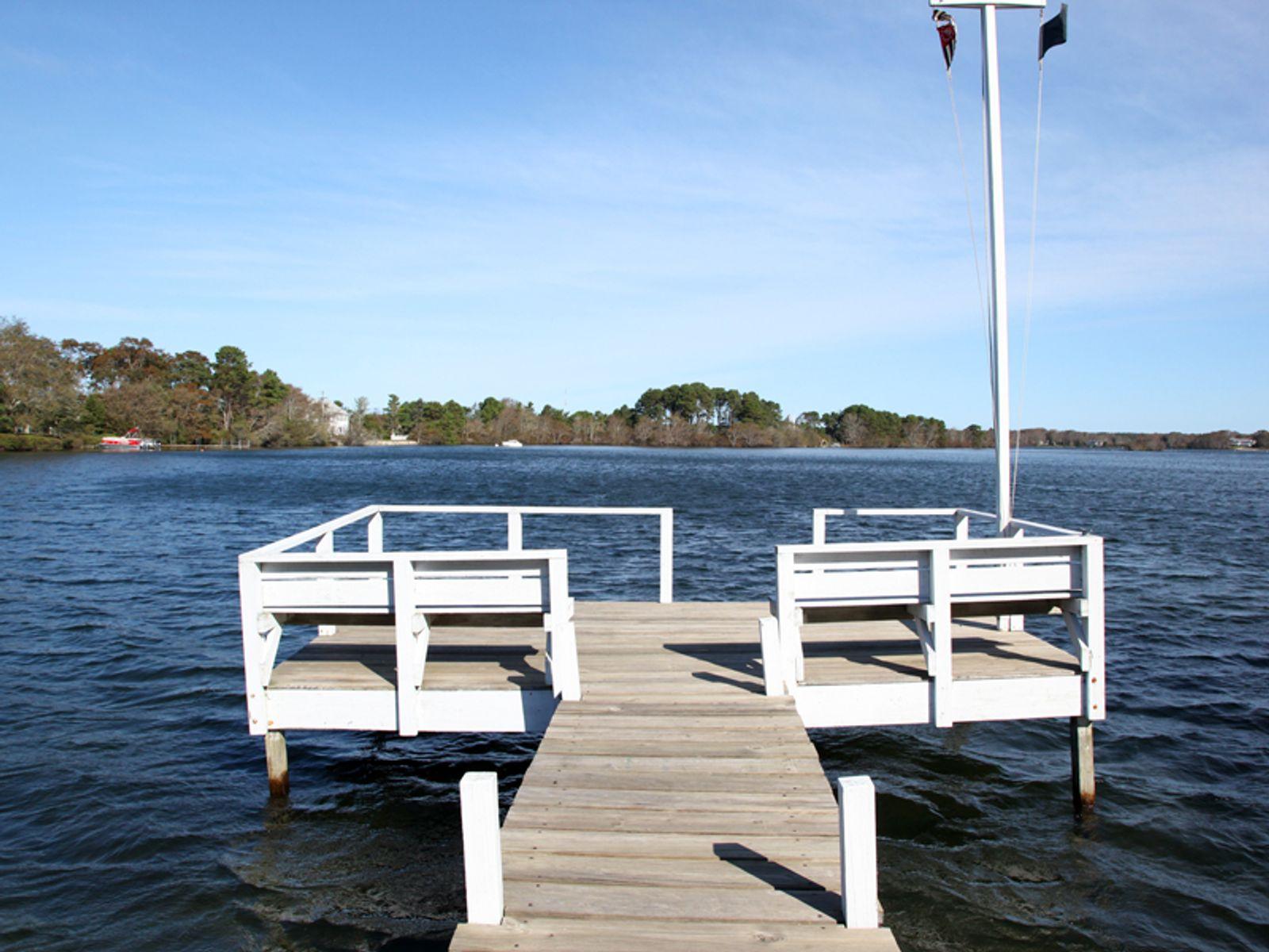 Lakefront Serenity