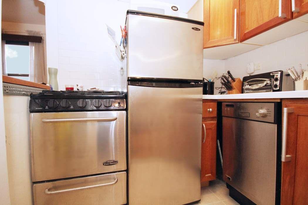 460 East 79th Street New York, NY 10075
