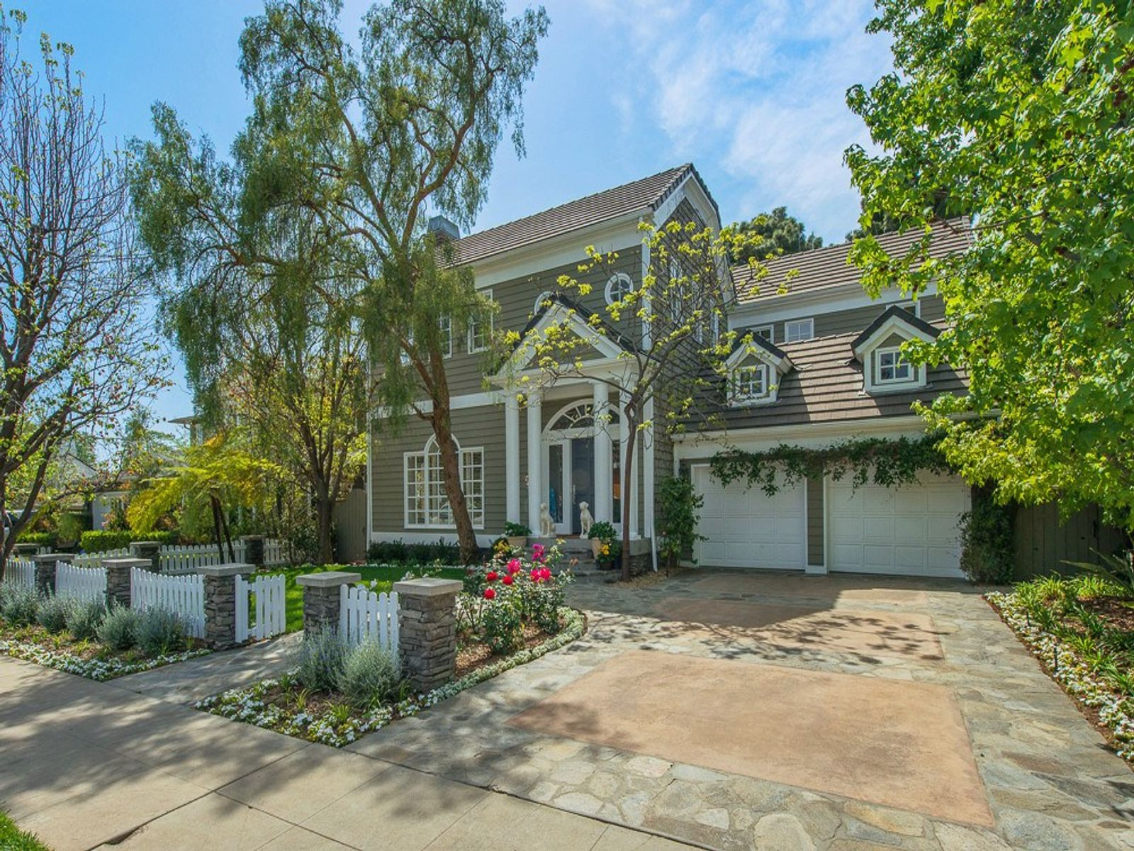 Classic Huntington Beauty , Pacific Palisades CA Single Family Home - Los Angeles Real Estate