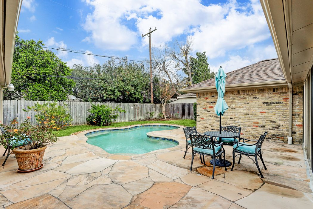 10038 Locke Lane Houston, TX 77042