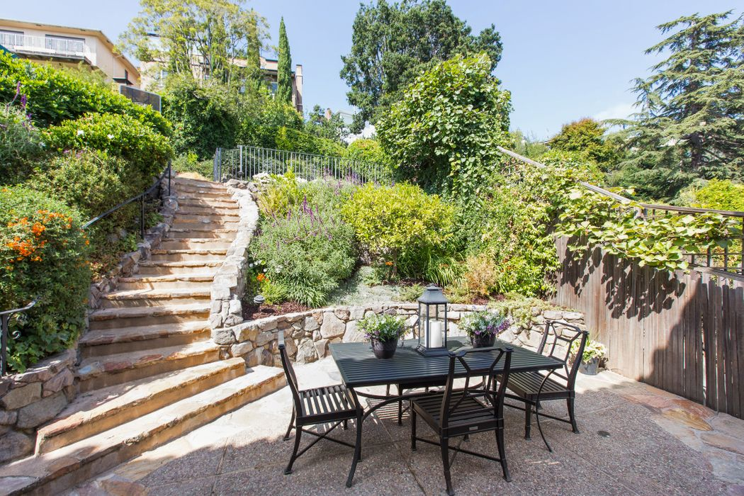 100 Scenic Ave Piedmont, CA 94611