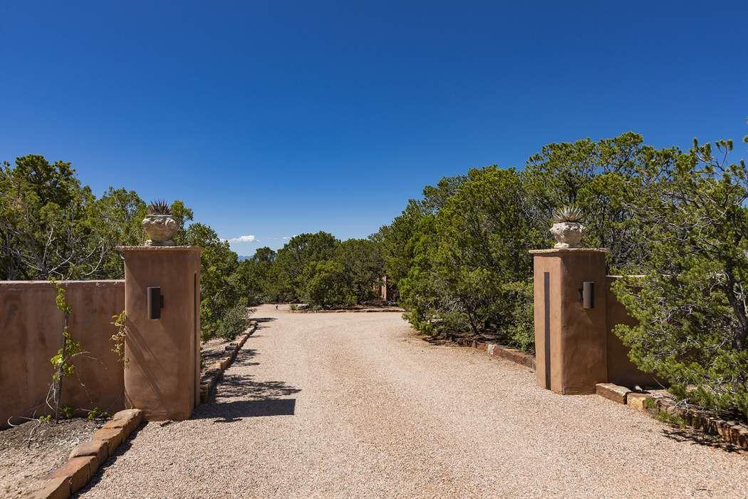 400 Circle Drive Santa Fe, NM 87501