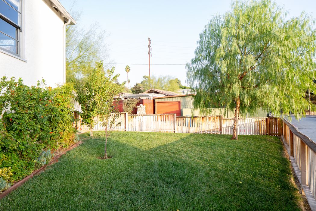 803 Cresthaven Drive Los Angeles, CA 90042