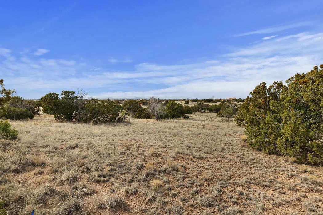 16 Demora Santa Fe, NM 87508