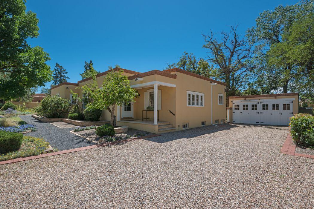 852 Old Santa Fe Trail Santa Fe, NM 87505